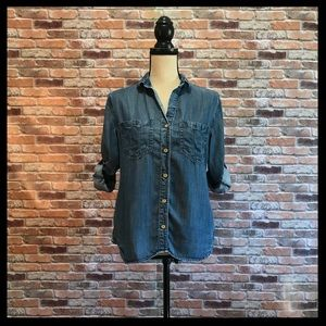 Anthro Cloth & Stone Chambray Button Down Shirt